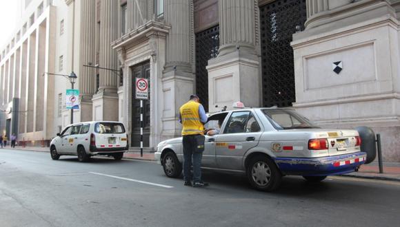 El retiro de los vehículos en calles del Cercado de Lima se hará de lunes a viernes en diferentes horarios. (Foto: Municipalidad de Lima)