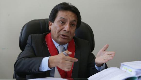 El fiscal supremo provisional Luzgardo Ramiro González se pronunció sobre la decisión del Congreso. (Foto: Alonso Chero/El Comercio)