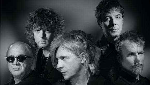 La formación actual de Indochine, la banda francesa que cumple 40 años y anuncia una gira para el 2021. Estarían encantados de regresar al Perú.