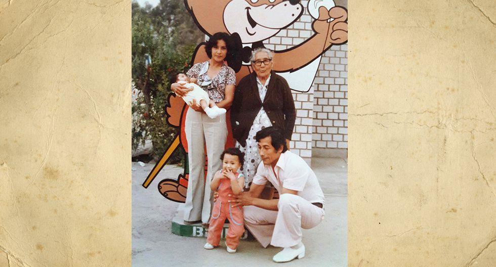 Rebeca Liñán Méndez. En esta foto tiene 19 años.  En la actualidad, tiene 59 años, tres nietos y tres gatos adoptados.