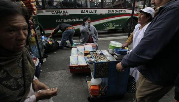 Informalidad laboral seguirá afectando al país por 50 años más
