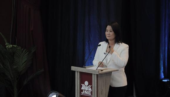 Keiko Fujimori cuestionó a Pedro Castillo en su primera intervención en el debate presidencial del JNE en Arequipa. (Foto: Leandro Britto / @photo.gec)