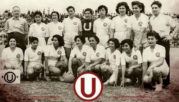 La 'U' recuerda el primer equipo femenino en el Día de la Mujer