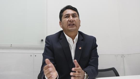 Vladimir Cerrón, secretario general de Perú Libre informó en redes sociales que terminó de pagar la reparación civil que se le impuso por la condena contra la administración pública en su contra | Foto: Archivo El Comercio