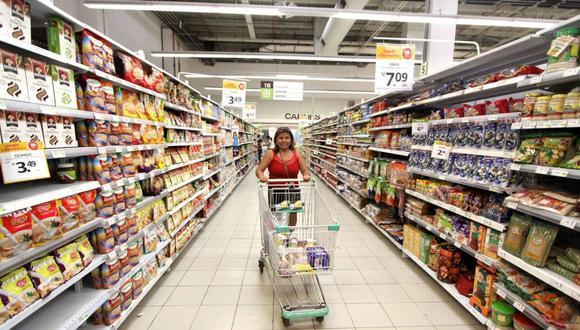 Pese a terminar la cuarentena generalizada en nuestro país, aún existen horarios especiales para la atención en supermercados y farmacias. Aquí la información. (Foto: Perú AS)