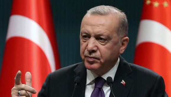 """Recep Tayyip Erdogan acusa a Estados Unidos de apoyar a """"los terroristas"""" tras ejecución de turcos en Irak. (Foto: Adem ALTAN / AFP)."""