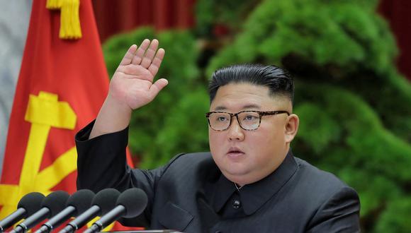Kim y Trump tuvieron una reunión el pasado 30 de junio en la frontera intercoreana, en la que ambos se mostraron dispuestos a avanzar con contactos previos para reanudar el diálogo (Foto: AFP)