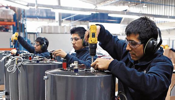 Trabajadores podrán estar sujetos a la suspensión perfecta de labores hasta octubre, según normas aprobadas este jueves por el Gobierno. (Foto: GEC)