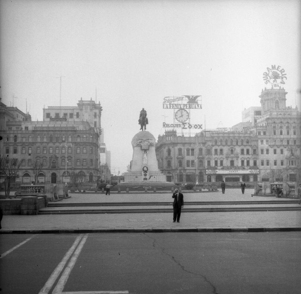 Fotos históricas de la plaza San Martín del año