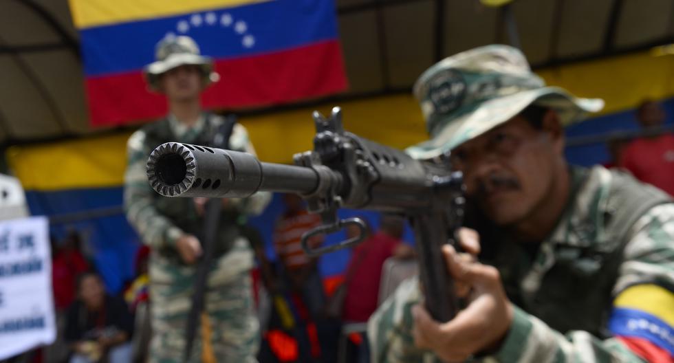 Nicolás Maduro sostuvo en enero que ya hay 3,7 millones de milicianos en Venezuela. (Photo by Matias Delacroix / AFP).