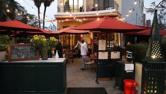 lima 5 de julio del 2020 fotos de la terraza del Restaurante La Bonbonniere
