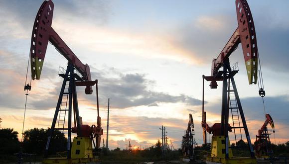 Si la guerra de precios entre los Emiratos Árabes Unidos y Rusia persiste, el exceso de petróleo podría aumentar a entre 800 millones y 1.300 millones de barriles en los primeros seis meses de este año. (Foto: Reuters)
