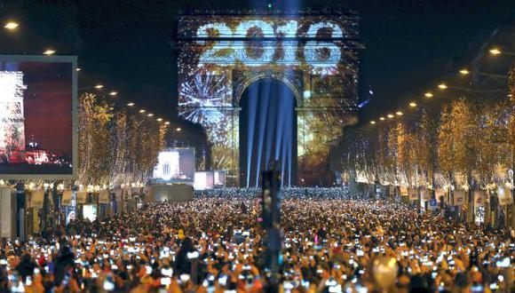 El año de las luces, por Nora Sugobono
