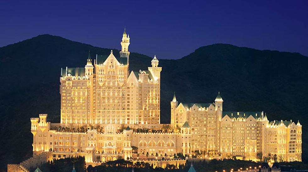 Visita este sorprendente hotel inspirado en un castillo - 1