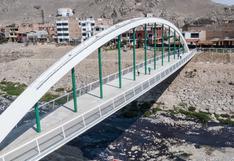 Entregan nuevo puente peatonal Malecón Checa que reemplazará al que colapsó en 2017 por El Niño Costero