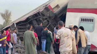 Al menos una decena de muertos y un centenar de heridos en accidente ferroviario en Egipto
