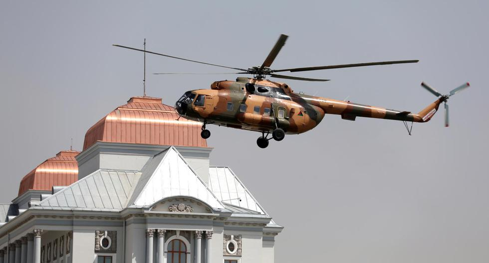 The president of Afghanistan fled with 4 cars and a helicopter full of money, according to Russia
