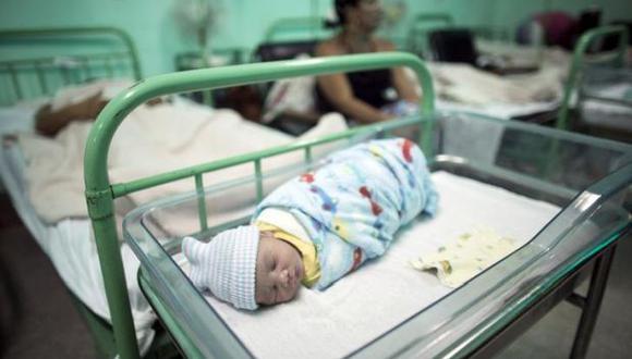 Cuanto más dura el trabajo de parto más riesgos tiene, sobre todo para la salud del bebe. (Foto: Reuters)
