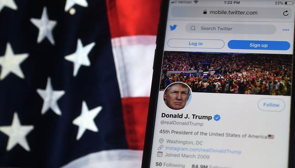 Twitter bloquea la cuenta de Donald Trump por 12 horas y amenaza con una suspensión permanente. (Olivier DOULIERY / AFP).