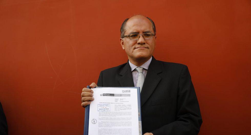 El procurador enviado por el Ministerio Justicia y Derechos Humanos presentó la respuesta del Ejecutivo ante el TC. (Foto: GEC)