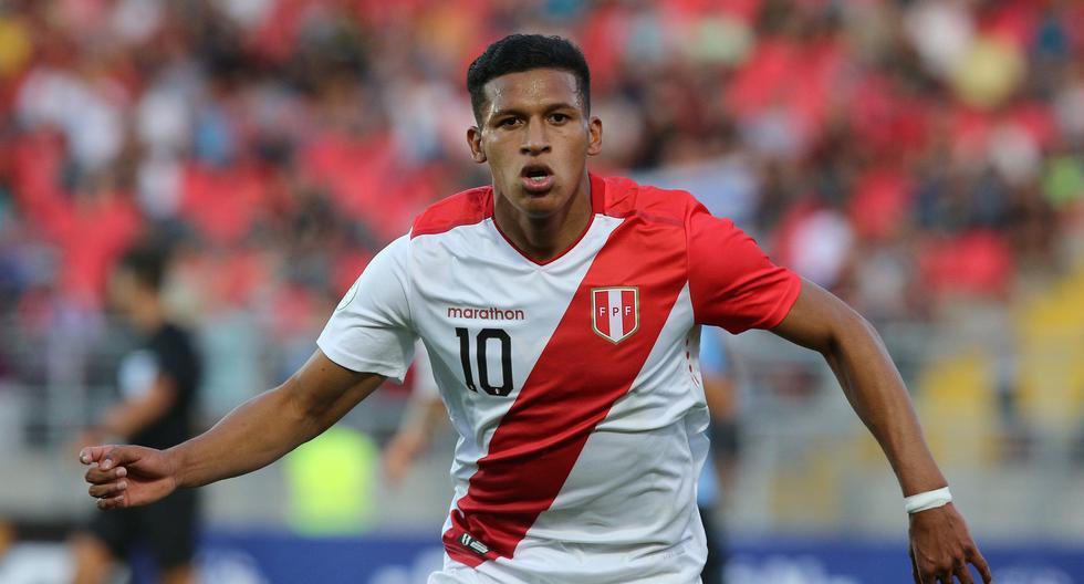 Fernando Pacheco ingresó y le cambió la cara a la selección peruana ante Uruguay. (Foto: AFP)