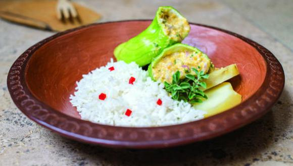 Un plato de caigua rellana, con arroz y papa, es una gran alternativa para un almuerzo nutritivo. (Foto: A comer pescado)