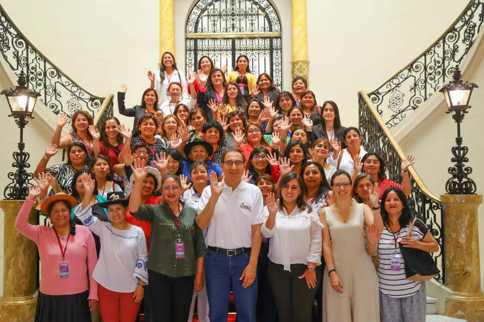 Las alcaldesas electas se reunieron este sábado con el presidente Martín Vizcarra en Palacio de Gobierno.(Foto: Presidencia)
