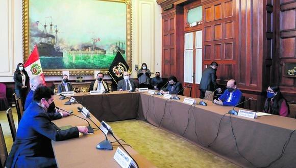 La comisión especial para elección de magistrados del TC está encabezada por José María Balcazar, de Perú Libre. (Foto: Congreso)