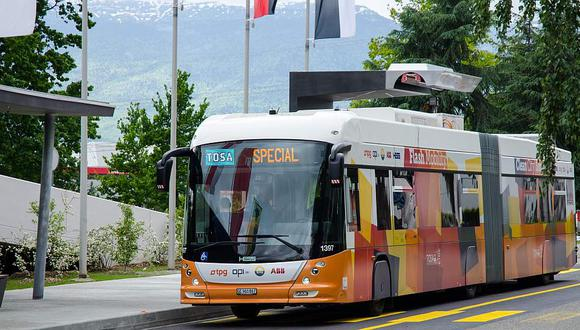 Los buses recibirán energía cada vez que se detenga a recoger y dejar pasajeros.  (Difusión)