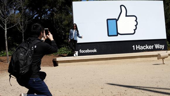 El número de usuarios diarios en Facebook también se recuperó, lo que indica un compromiso constante con los usuarios a pesar del reciente escándalo por la filtración de datos a Cambridge Analytica.