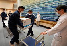 Japón inicia campaña de vacunación contra el coronavirus inoculando a sanitarios