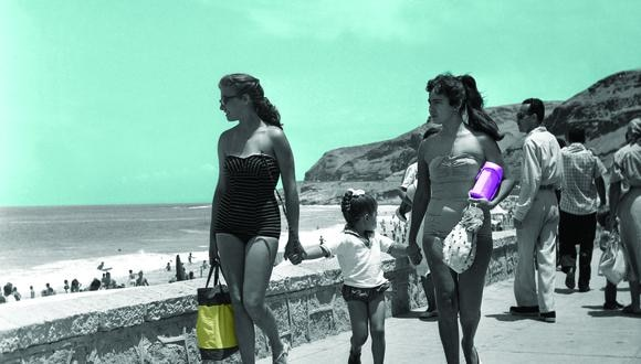 """LA HERRADURA, 1964. """"El traje de baño enterizo siempre ha estado y estará de moda"""", sostiene Angie Schlegel. """"En esta estampa, una de las mujeres usa un innovador corte strapless, que ayudaba a evitar marcas en el torso"""", indica la diseñadora. Fue en los años sesenta que se comenzaron a utilizar mezclas de algodón con lycra y poliéster, una fresca entrada al mundo de la comodidad que cambió la manera de vestir de millones de mujeres. """"Recién se comenzaba a experimentar con spandex, lycra, poliéster y algodón. Al comienzo, cuando estos materiales aún eran desconocidos, se aplicaba un efecto drapeado en las ropas de baño de algodón para que este se amolde con más seguridad al cuerpo"""", añade. (Fotos: Archivo Histórico El Comercio)"""