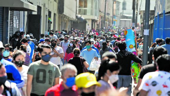 El Gobierno remarcó que la decisión se basa en el avance de la pandemia respecto a contagios y fallecidos por coronavirus en las últimas semanas. (Foto: El Comercio)