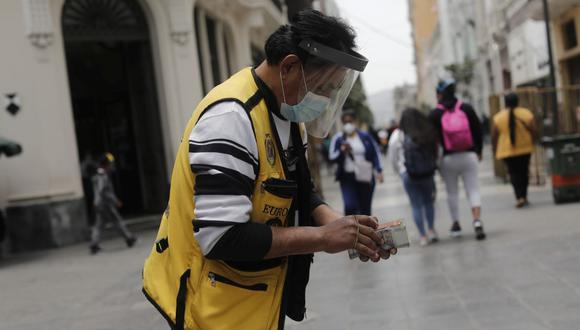 En el mercado paralelo o casas de cambio de Lima, el tipo de cambio se cotiza a S/3,600 la compra y S/3,625 la venta. (Foto: Leandro Britto / GEC)