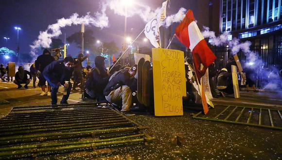 Protestas en Lima, casi un año después de las protestas realizadas en todo Chile. (Foto: Alessandro Currarino/GEC)