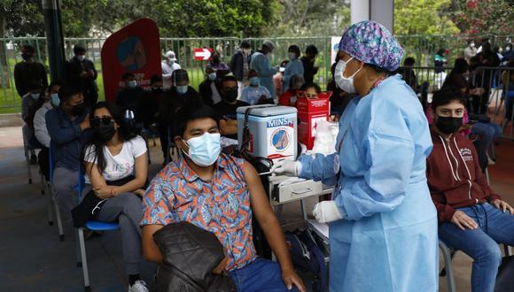 En Perú se aplican dos dosis para completar la inmunización contra el COVID-19. (Foto: GEC/ Eduardo Cavero)