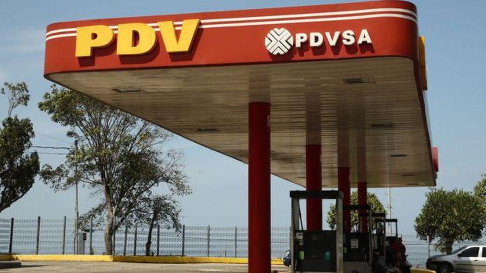 La petrolera venezolana, PDVSA, es sujeto de sanciones que restringirán su negocio en el extranjero. (VALERY SHARIFULIN vía BBC)
