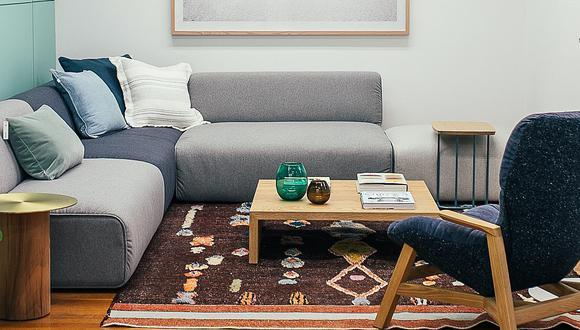 El sofá suele acumular suciedad y, en algunas ocasiones, aparecen las temidas manchas. (Foto: Rachel Claire / Pexels)
