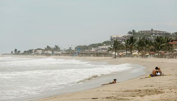 Derrame de petróleo no afecta por ahora las playas de Zorritos