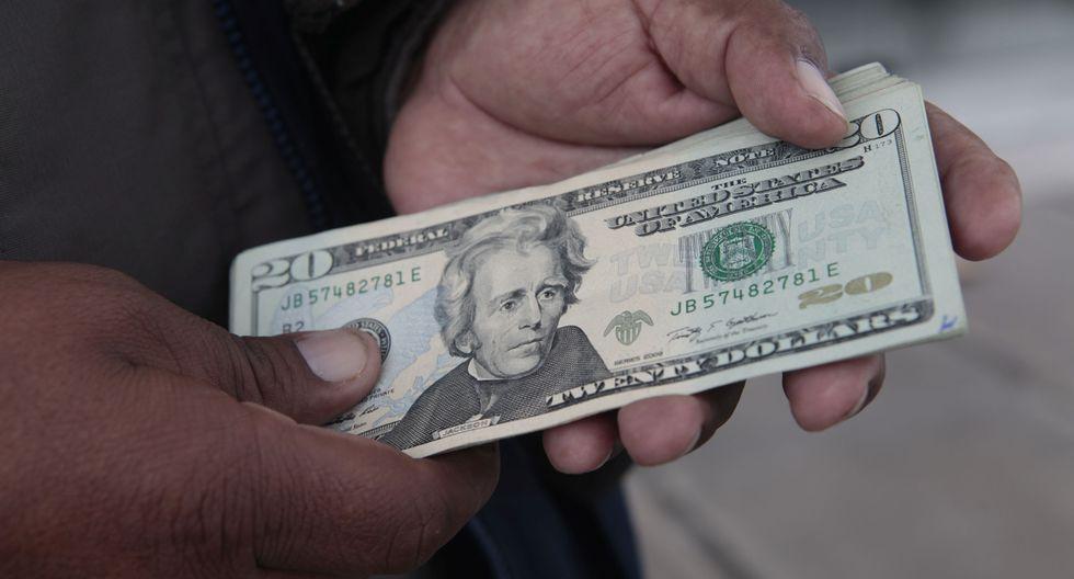 El dólar mayorista se ubicó hoy en 37.56 pesos por billete verde. (Foto: GEC)