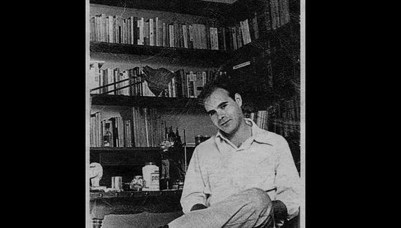 """Rodrigo Lira, hacia 1970. Foto tomada del sitio web Memoria chilena. Fotografía acompaña artículo de Roberto Merino: """"Rodrigo Lira en el país de los postes"""" (http://www.memoriachilena.gob.cl/602/w3-article-72700.html)"""