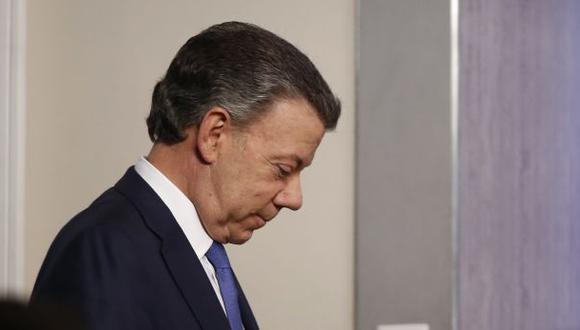 Actualmente la fiscalía colombiana investiga si Odebrecht entregó 1 millón de dólares a la campaña de Santos del 2014. (Foto: AP)