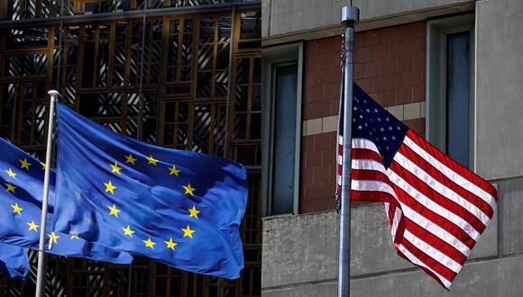 """""""Es la primera vez desde hace más de dos décadas que Estados Unidos y la Unión Europea anuncian reducciones de aranceles"""", según ambas potencias. (Foto composición: AFP)"""