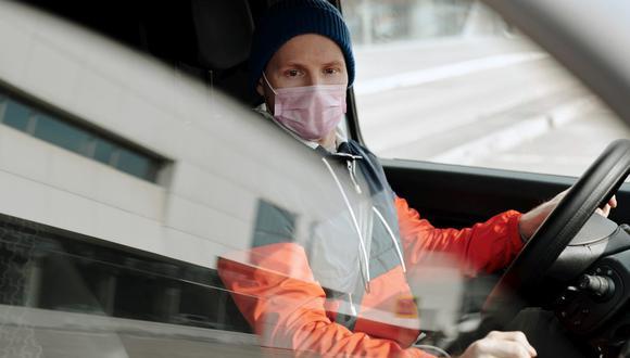 Para que este paseo se realice de forma segura y evitando el contagio de la COVID-19, no dejes de usar mascarilla. (Foto: Norma Mortenson / Pexels)