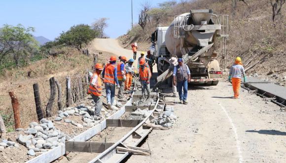 Mejorar el marco legal y promotor de las inversiones ayudará a mejor la inversión en infraestructura pública. Según Eduardo Escobal, docente de ESAN, urgen cambios en la normativa actual. (Foto: Andina)
