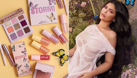 Kylie Jenner presenta en Instagram la Stormi Collection luciendo un vestido que combina con las mariposas azules de la imagen. (Foto: Instagram)