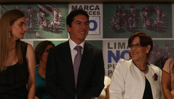 De izquierda a derecha: Anel Townsend, vocera de la campaña por el No a la revocación; José Miguel Castro, exgerente municipal hoy sometido a un proceso de colaboración eficaz; y la exalcaldesa Susana Villarán durante una conferencia de prensa el 7 de marzo del 2013. (Foto: Lino Chipana / El Comercio)