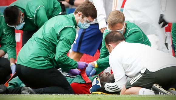 El jugador de Manchester United chocó en una jugada dividida con el capitán de su equipo y quedó tendido en el campo de juego. (Foto: ESPN)