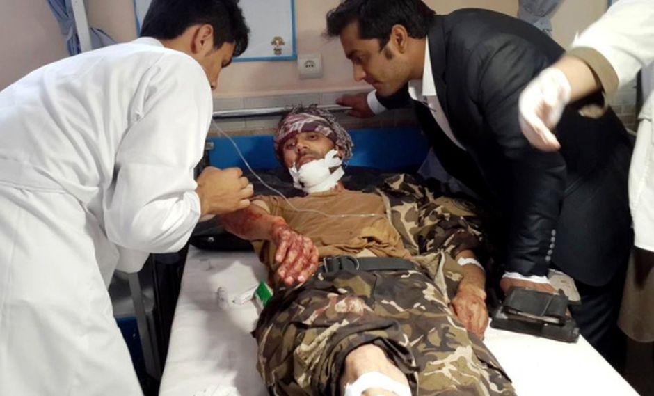 Atentado suicida deja 15 muertos en un mercado de Afganistán