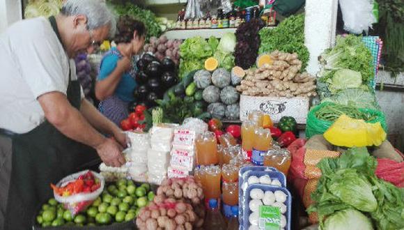 Por el lado del grupo bienes pertenecientes a la categoría de alimentos y bebidas, los precios cayeron en 0,23%, registrando el mayor retroceso en el mes.